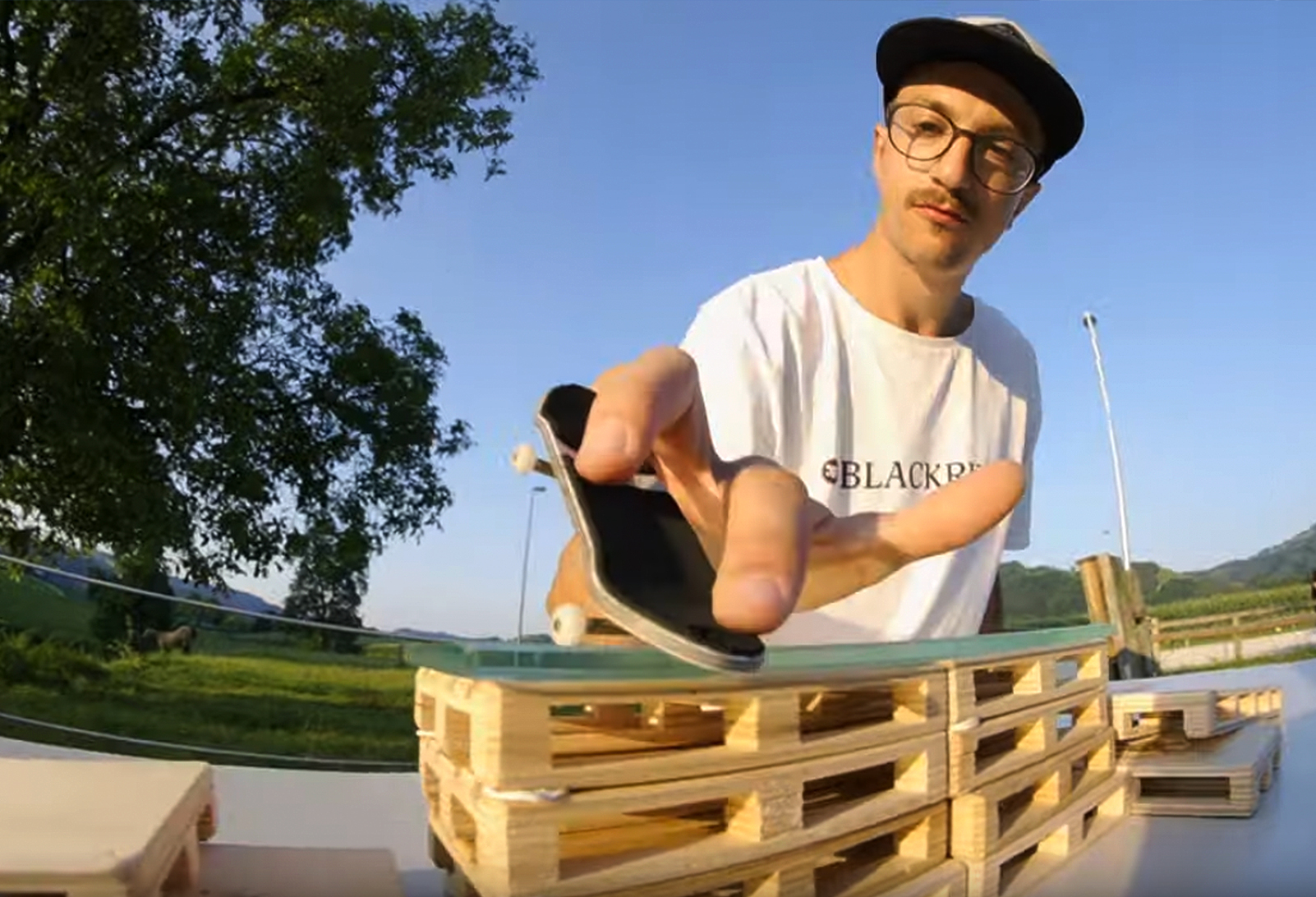 Welcome to the fingerboard team Fabian Kronsteiner