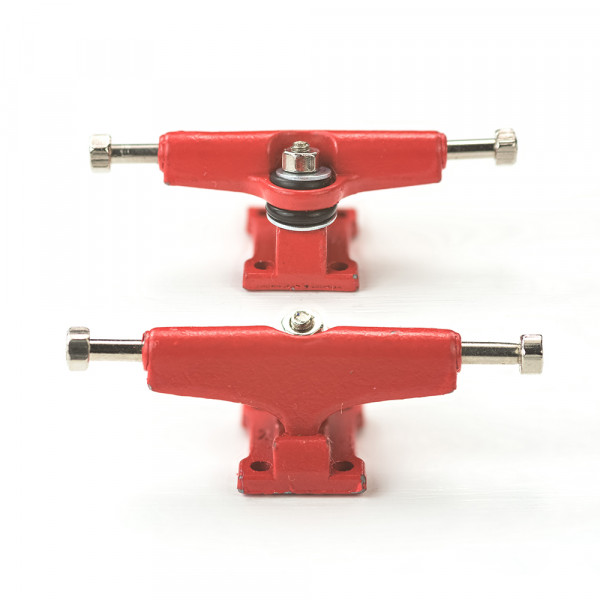 Bollie Trucks color line red