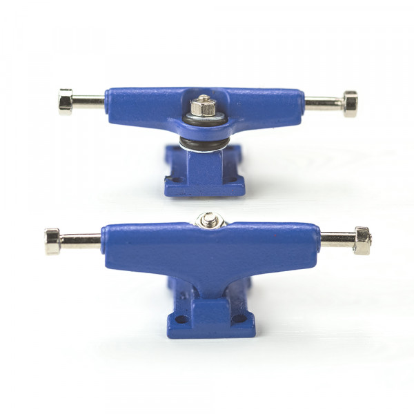 Bollie Trucks color line blue